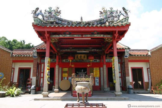 snake temple of penang malaysia
