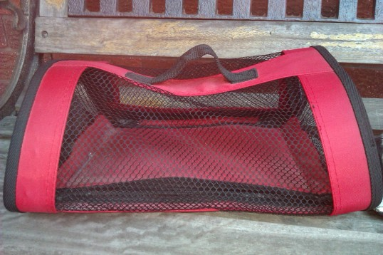 Perfect Petzzz red mesh tote carrier